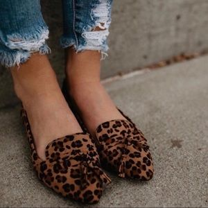 a65a829f15dd Refresh Shoes | Faux Suede Leopard Print Flats W Tassel Size 9 ...